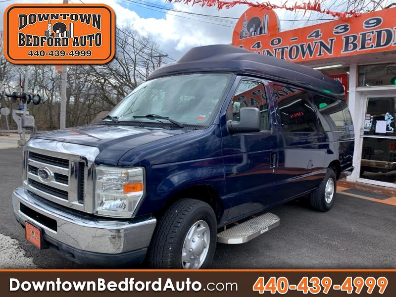 Ford Econoline E-350 XL Super Duty Extended 2011