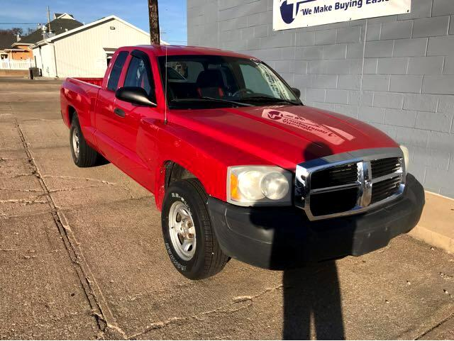 2007 Dodge Dakota ST Club Cab 2WD