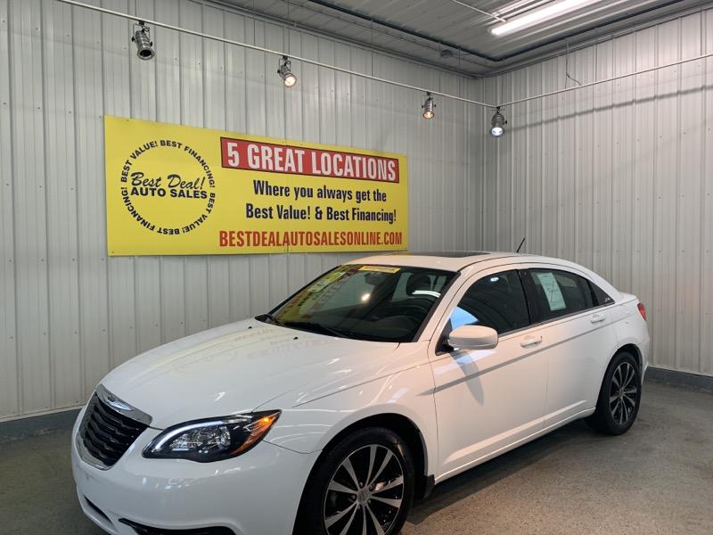 2014 Chrysler 200 4dr Sdn S FWD