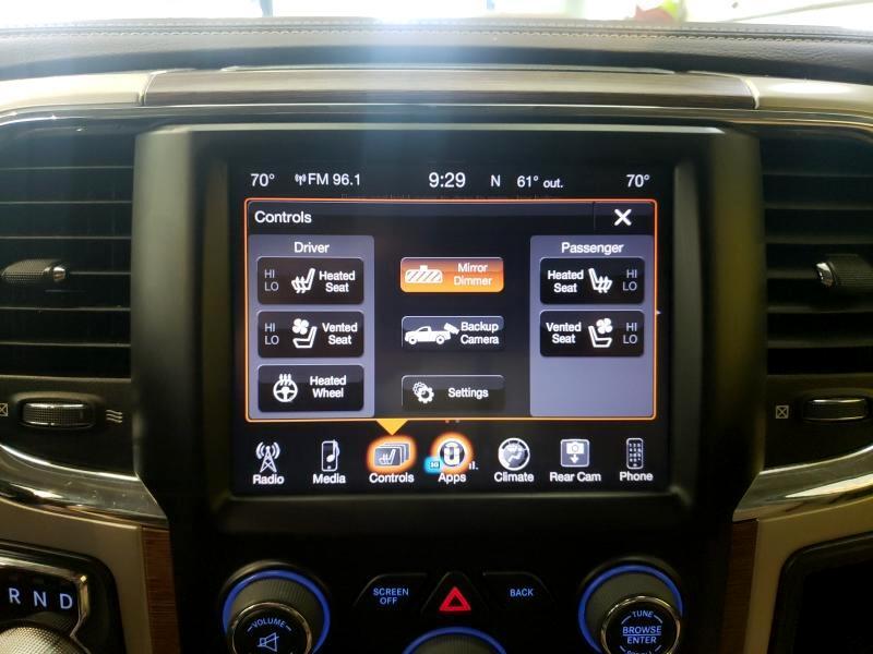 2016 RAM 1500 Laramie Crew Cab SWB 4WD
