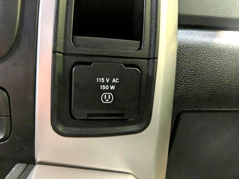 2017 RAM 1500 SLT Crew Cab LWB 4WD