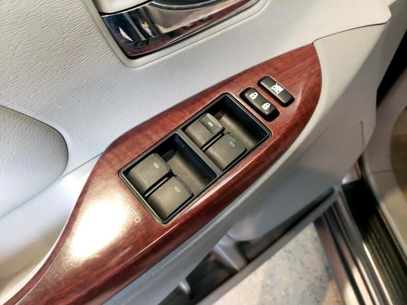 2013 Toyota Sienna 5dr 7-Pass Van V6 XLE FWD (Natl)