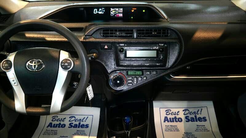 2014 Toyota Prius c 5dr HB Two (Natl)