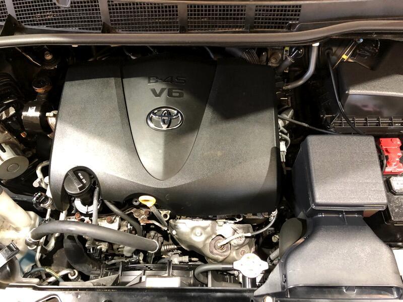 2017 Toyota Sienna 5dr 8-Pass Van XLE FWD (Natl)