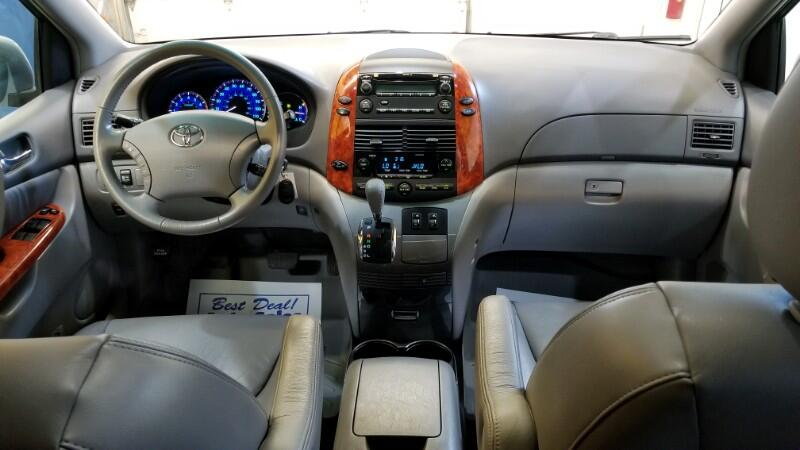 2010 Toyota Sienna XLE FWD