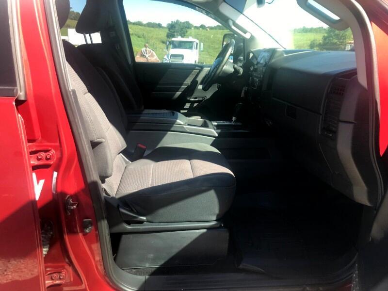 2013 Nissan Titan SV Crew Cab 4WD