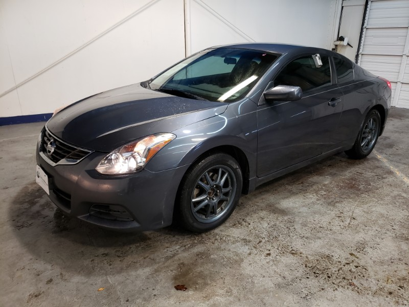 Nissan Altima 2.5 S 6M/T Coupe 2010