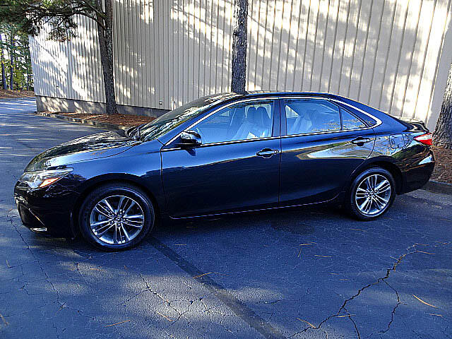 2016 Toyota Camry SE Sports Camera XM BT Alloys