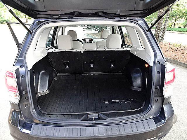 2017 Subaru Forester 2.5i PZEV CVT Back Up Camera XM BT Alloys