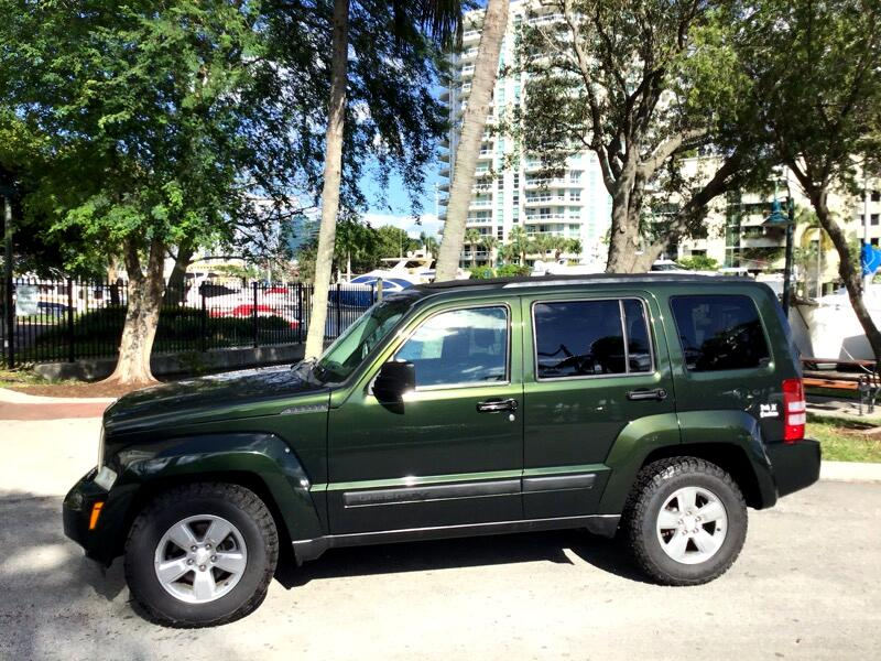 Jeep Liberty RWD 4dr Sport 2011