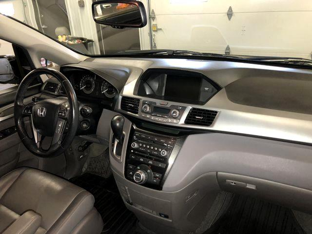 Honda Odyssey Touring Elite 2011