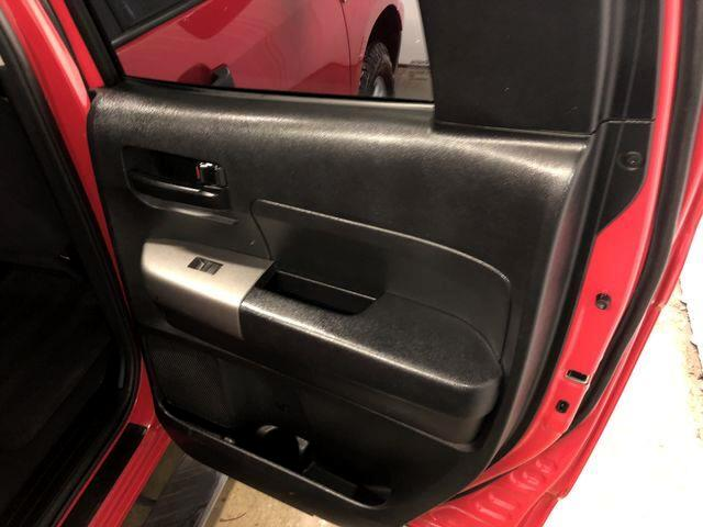 Toyota Tundra Tundra-Grade 5.7L FFV Double Cab 4WD 2011