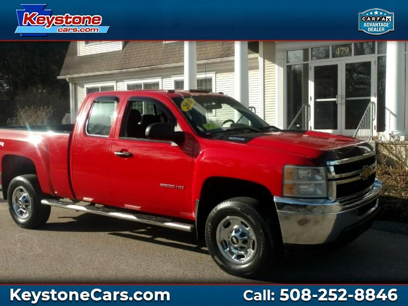 2011 Chevrolet Silverado 2500HD LS Ext. Cab Short Bed 4WD