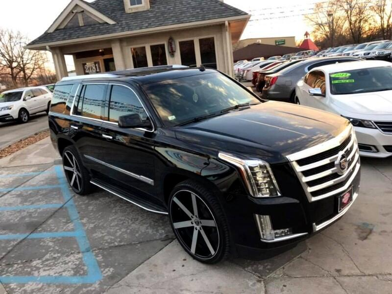 2015 Cadillac Escalade Luxury 2WD