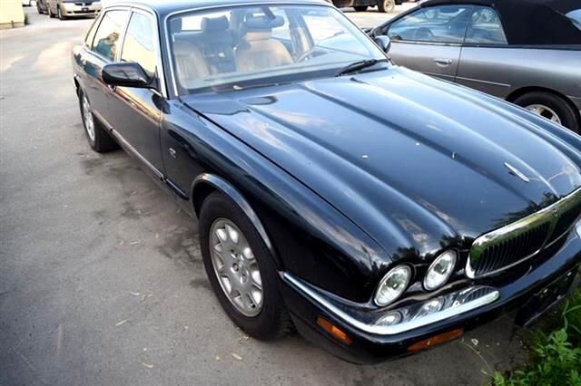 Jaguar XJ Sedan XJ8 2000