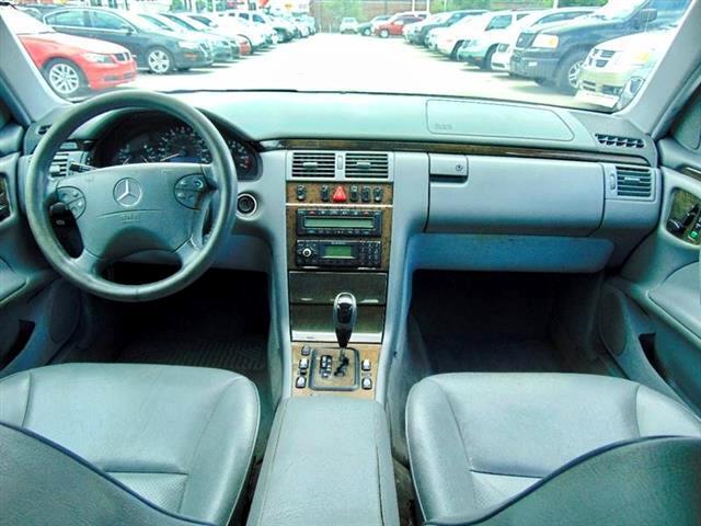 2002 Mercedes-Benz E-Class E320