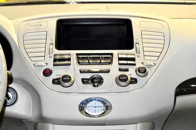 2002 Infiniti Q45 Base