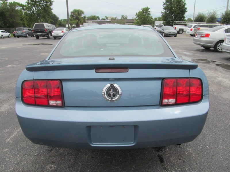 2007 Ford Mustang Premium Coupe