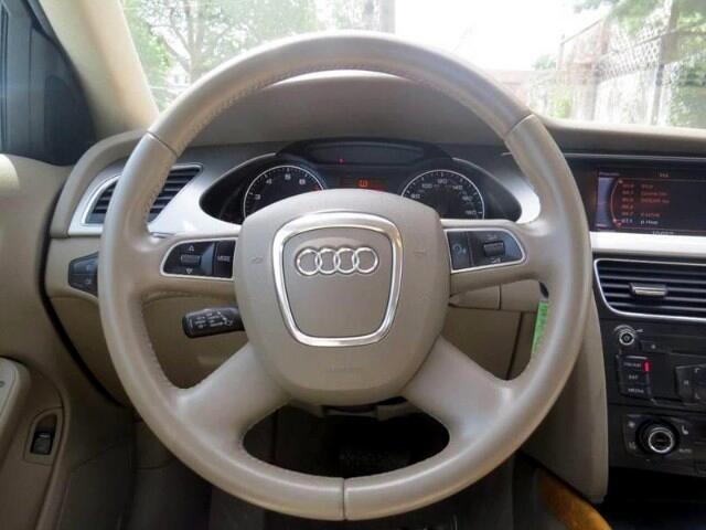 2010 Audi A4 2.0T Sedan quattro Tiptronic