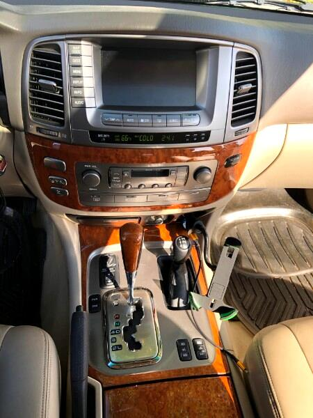 2004 Lexus LX 470 Sport Utility