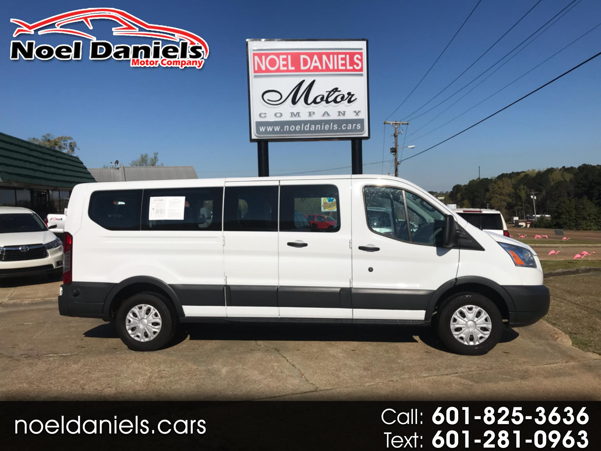 2018 Ford Transit Passenger Wagon T-350 XLT Low Roof Swing-Out RH Dr 15 Passenger