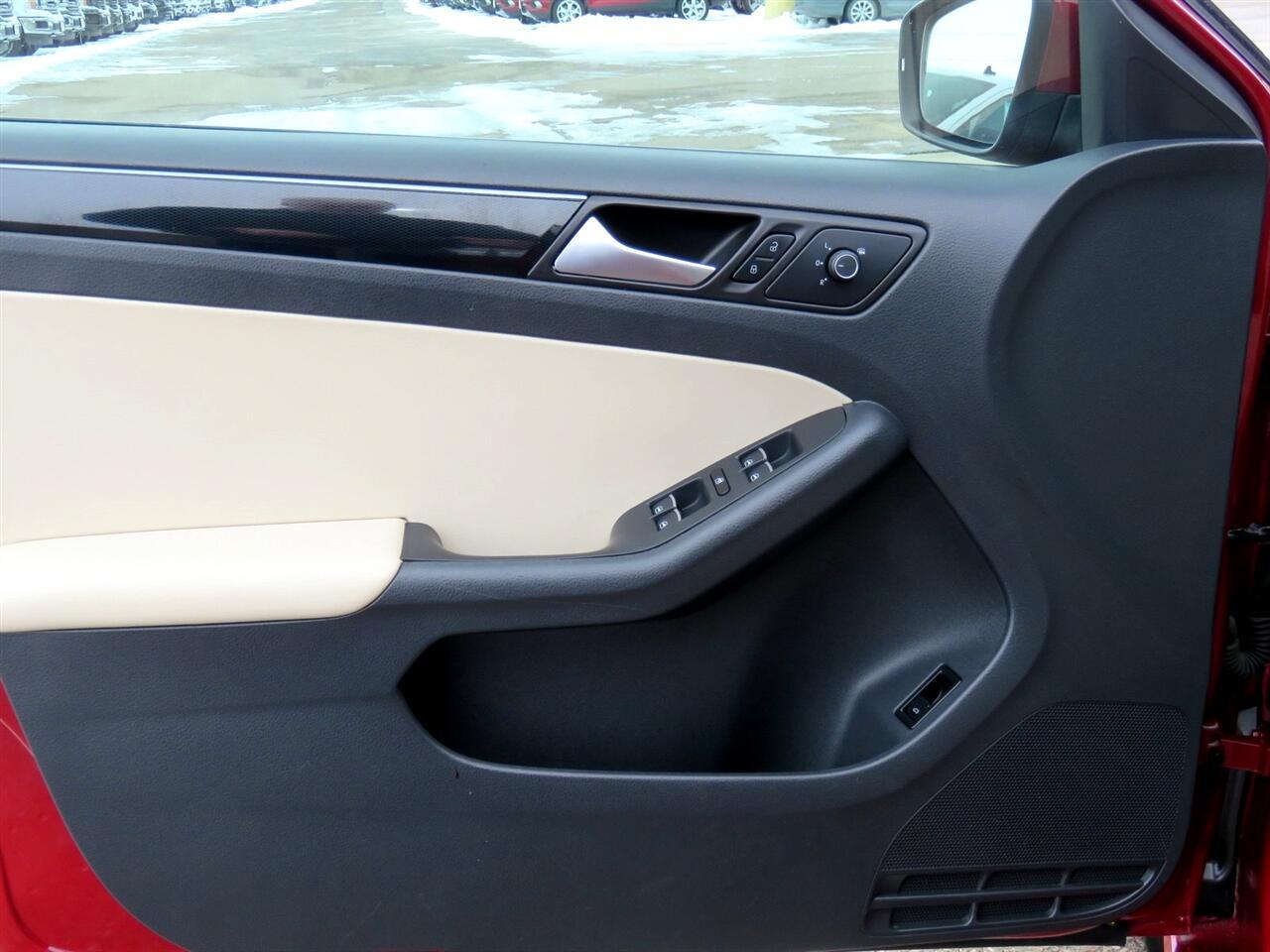 2016 Volkswagen Jetta SEL Sedan