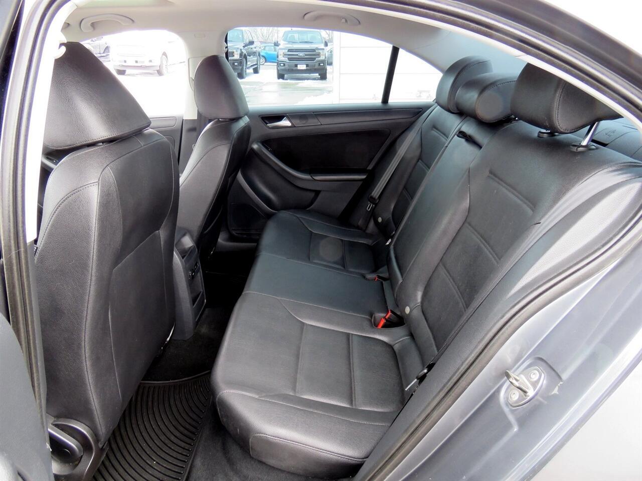 2011 Volkswagen Jetta SE Sedan