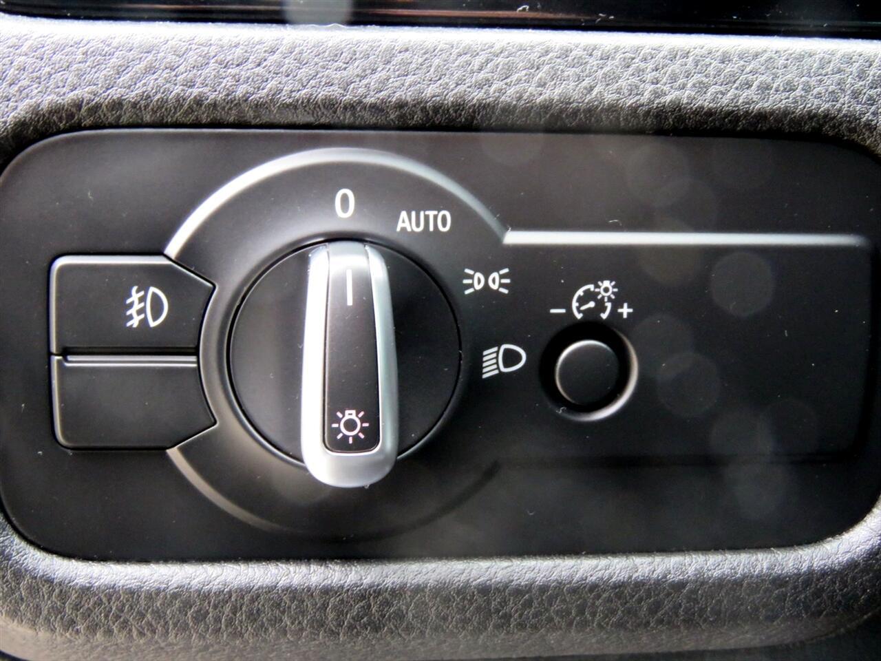 2014 Volkswagen Touareg Sport