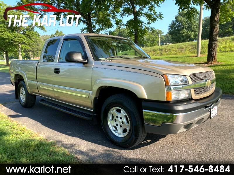 Chevrolet Silverado 1500 LS Ext. Cab Short Bed 4WD 2004