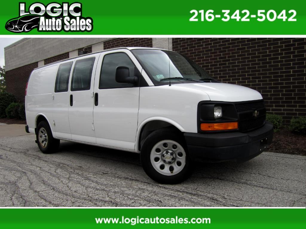 """2009 Chevrolet Express Cargo Van RWD 1500 135"""""""
