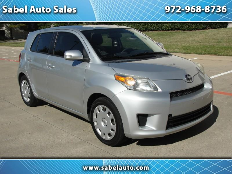Scion xD 5-Door Hatchback 4-Spd AT 2011