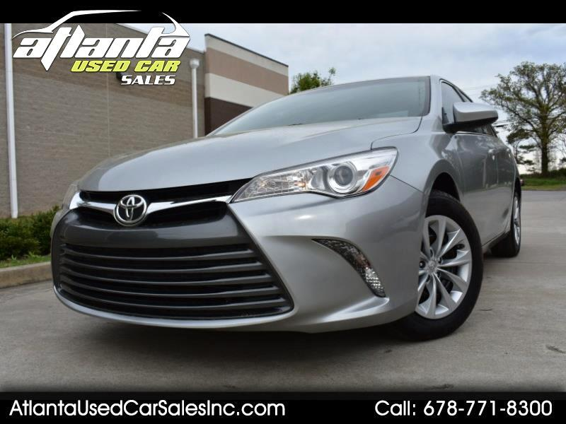 2015 Toyota Camry LE w/ Leather and Backup Camera