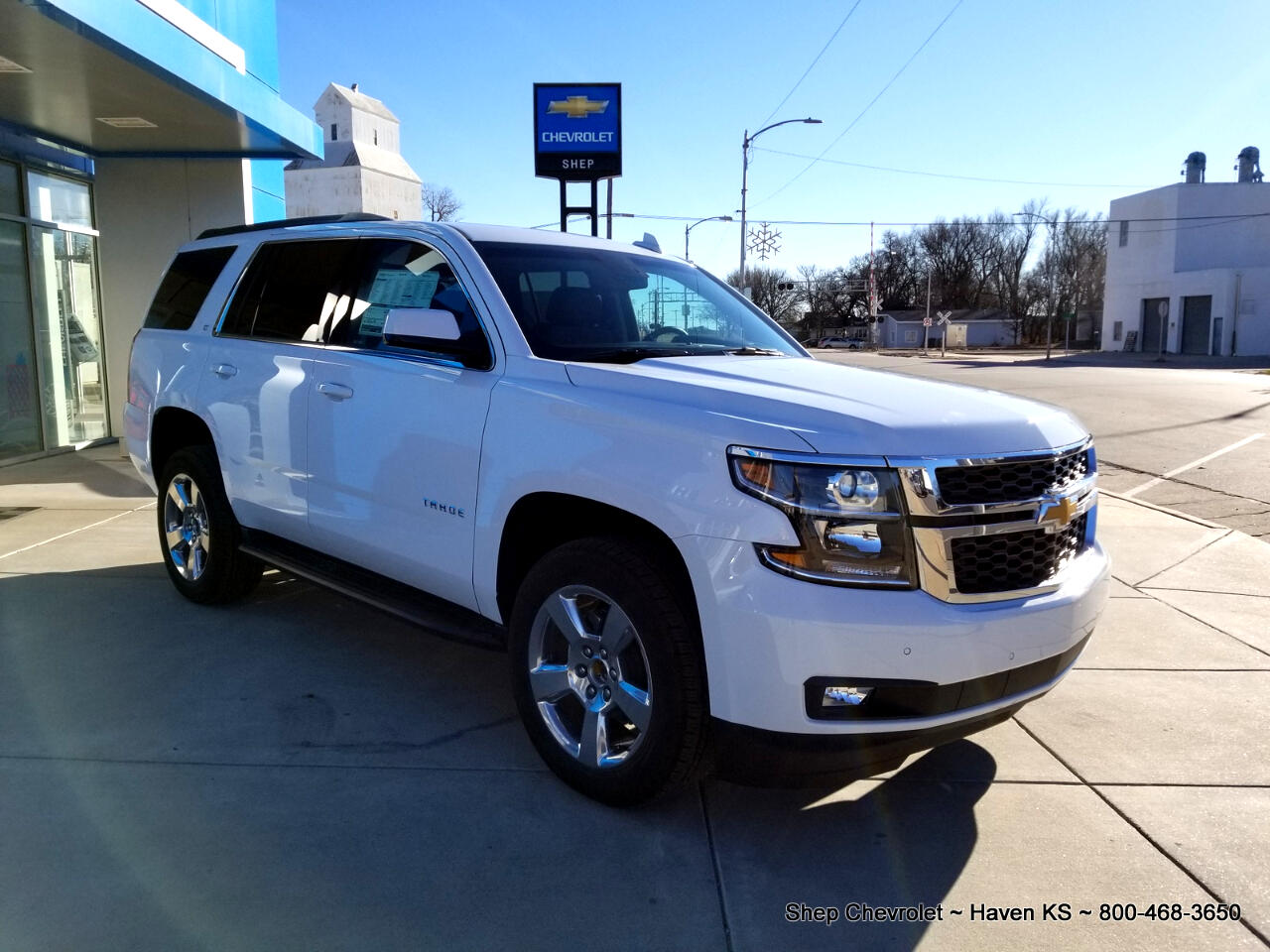 2019 Chevrolet Tahoe 4X4 LT w/ Luxury Pkg + Sunroof + NAV + Entertainme