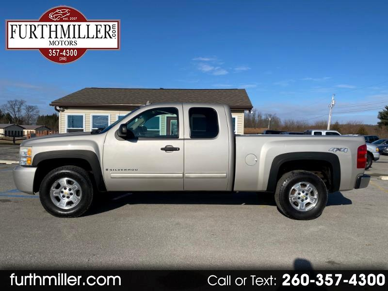Chevrolet Silverado 1500 LT Ext. Cab 4-Door Short Bed 4WD 2009