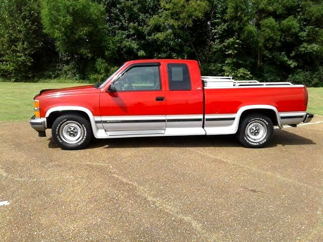 1995 Chevrolet C/K 2500 Ext. Cab 6.5-ft. Bed 2WD