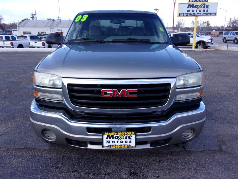 2003 GMC Sierra 2500HD Ext. Cab Short Bed 2WD