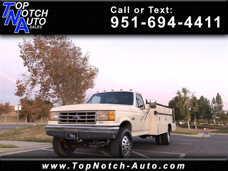 """1990 Ford F-Super Duty Cab/Chassis 137"""" DRW"""