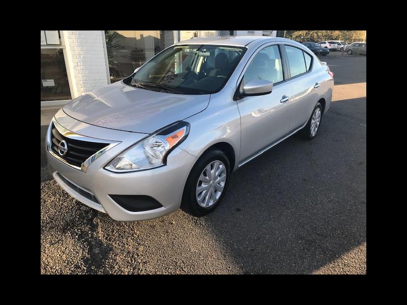 Nissan Versa 1.6 S 5M 2018