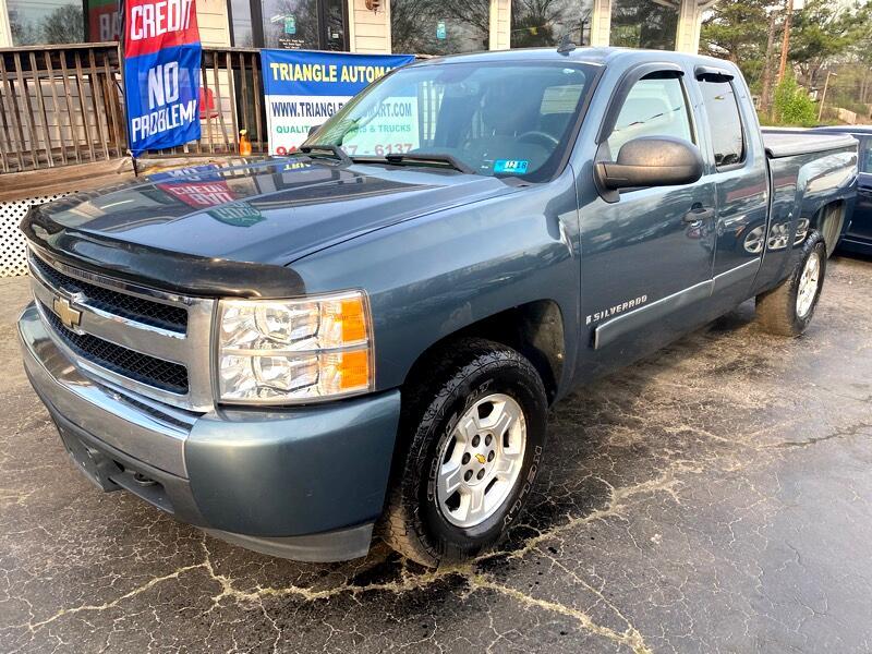 Chevrolet Silverado 1500 Work Truck Ext. Cab Std. Box 4WD 2008