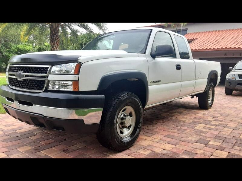 Chevrolet Silverado 2500HD Work Truck Ext. Cab 2WD 2006