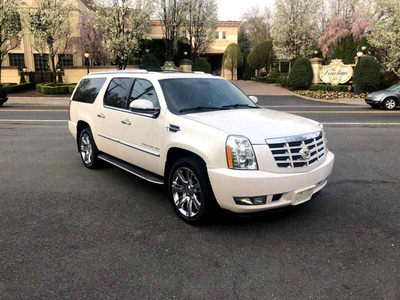 2011 Cadillac Escalade ESV 4WD 4dr Luxury
