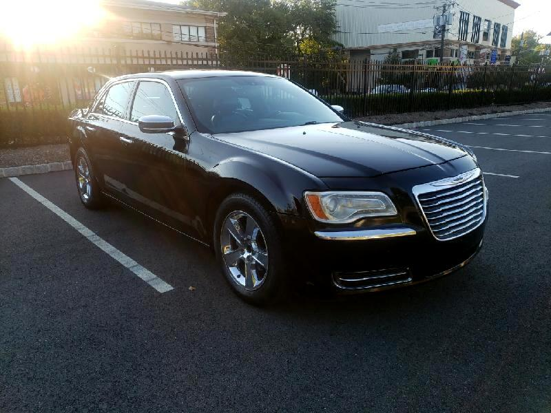 Chrysler 300 4dr Sdn 300 2012