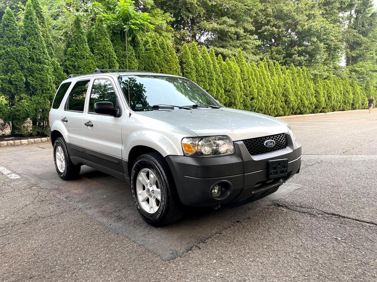 "Ford Escape 4dr 103"" WB 3.0L XLT 4WD 2005"