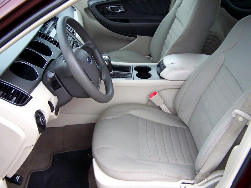 2010 Ford Taurus SE FWD