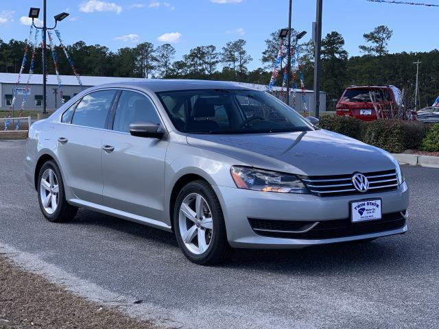 Volkswagen Passat 2.5L SE AT 2014