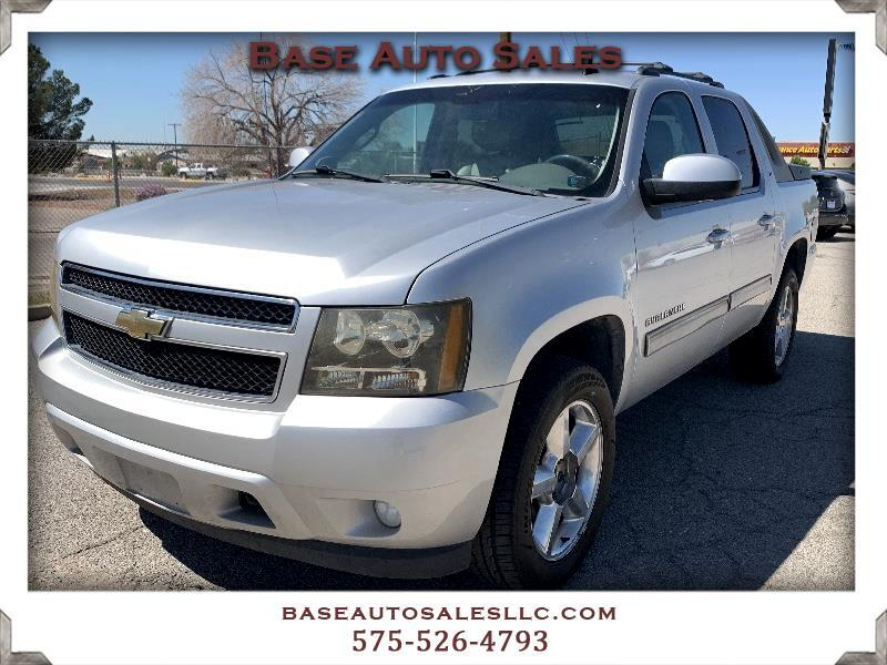 Chevrolet Avalanche LT 4WD 2011