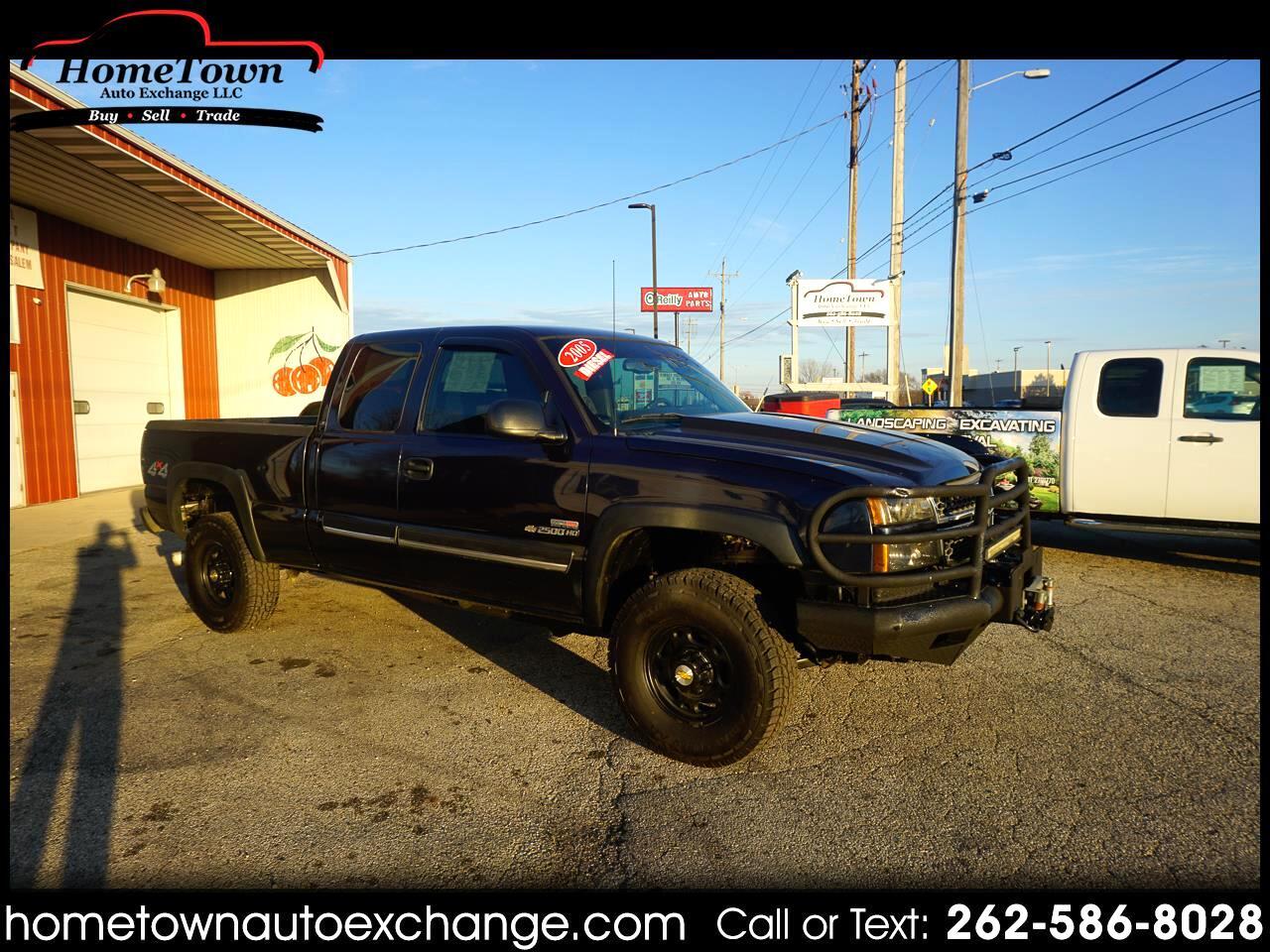 "Chevrolet Silverado 2500HD Ext Cab 143.5"" WB 4WD LS 2005"