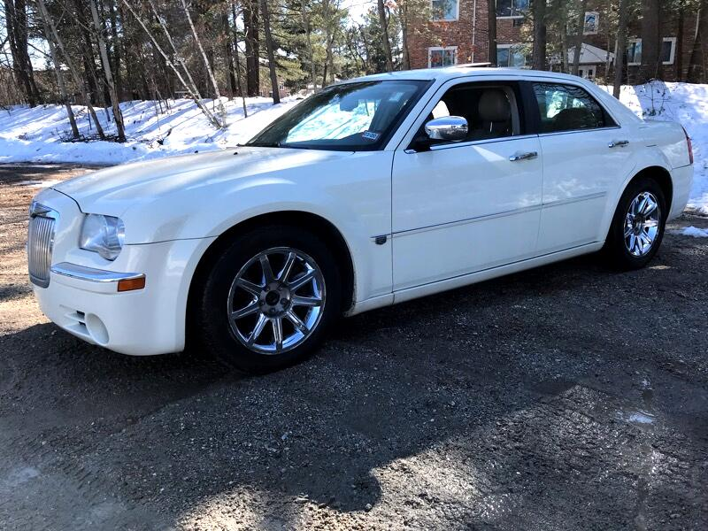 2005 Chrysler 300H