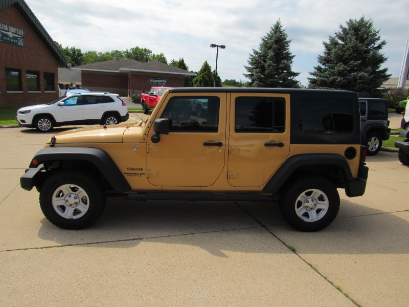 2014 Jeep Wrangler Unlimited Sport 4WD RHD