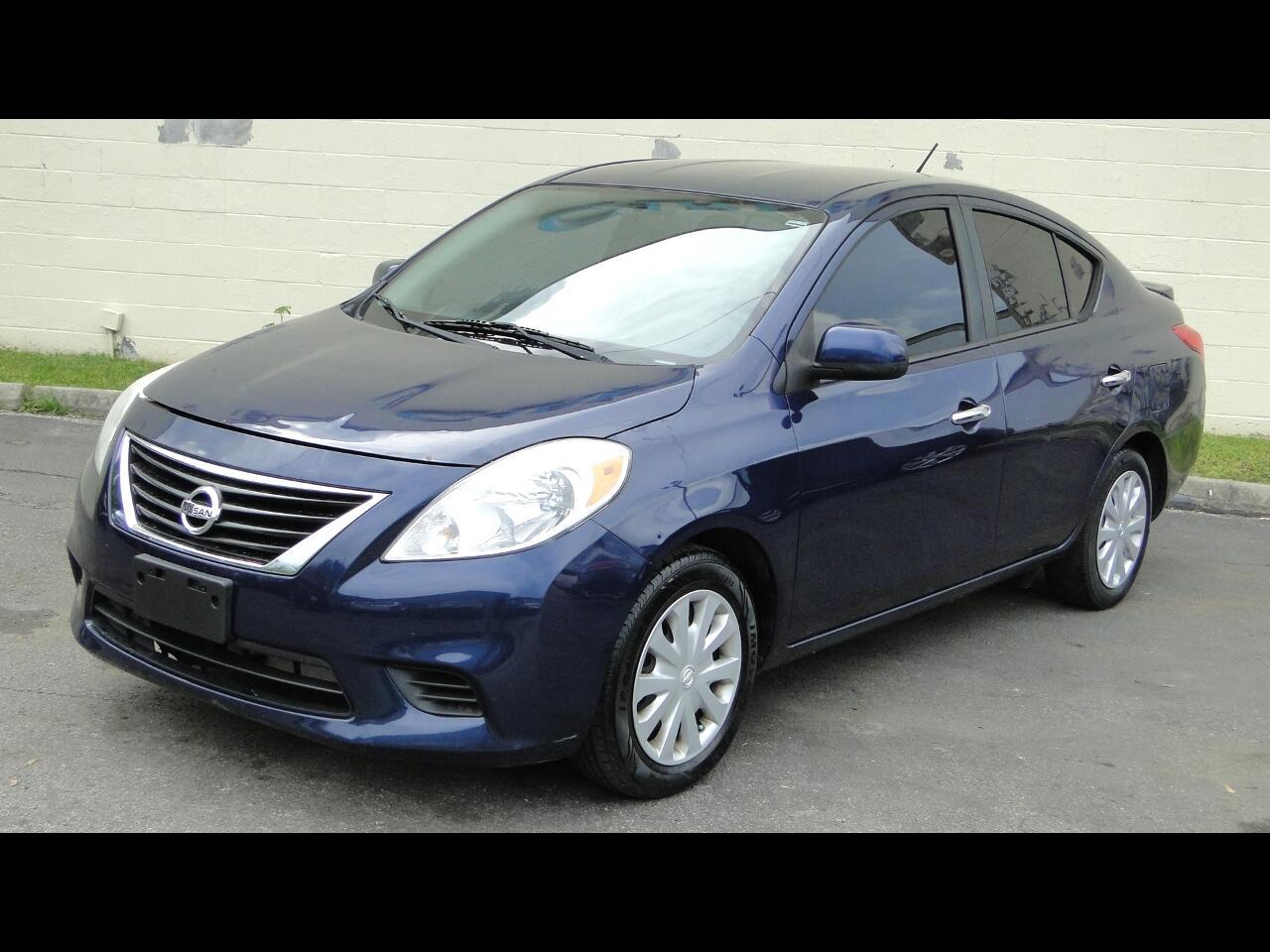 Nissan Versa 1.6 S 4A 2013